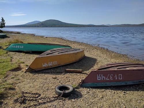 Лодки на озере Зюраткуль ©  ayampolsky