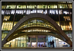 1 Ropemaker Street (coldnebraskablue) Tags: citypoint london officeblock glass steel tower night longexposure archway evening grandentrance nikond7200 1855 lights offices doors windows ropemakerstreet britannichouse skyscraper cityoflondon santiagocalatrava modernism finance people building architecture window atrium wall