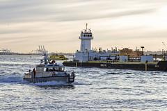 r_180322128_beat0021_a (Mitch Waxman) Tags: eastrivershoreline fdny fireboat newyorkcity statueofliberty tugboat newyork