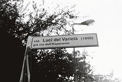Via Luci Del Varieta (1950) (goodfella2459) Tags: nikon f4 af nikkor 50mm f14d lens ilford hp5 plus 400 35mm blackandwhite film analog rimini italy via luci del varieta 1950 variety lights alberto lattuada federico fellini giulietta masina street sign cinema bwfp