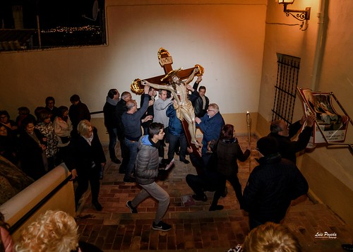 """(2018-03-23) - IX Vía Crucis nocturno - Luis Poveda Galiano (04) • <a style=""""font-size:0.8em;"""" href=""""http://www.flickr.com/photos/139250327@N06/40337742324/"""" target=""""_blank"""">View on Flickr</a>"""
