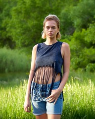 Colorado Fashion Trail (The Good Brat) Tags: colorado us lauren trail model meadow forest green nature natural fashion style blonde blond denim fringe pose casual outdoor portrait woman