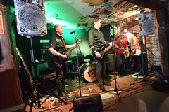 DSC_0089 (richardclarkephotos) Tags: tim bish joey luca © richard clarke photos derellas three horseshoes bradford avon wiltshire uk lone sharks guitar bass drums guitarist drummer bassist band bands live music punk
