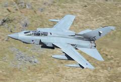 Panavia Tornado GR4 ZA588 056 MRH74 051-1 (cwoodend..........Thanks) Tags: wales snowdonia lfa7 machlooplfa7 machloop mach lowfly lowlevel bwlchexit exit panavia panaviatornado panaviatornadogr4 tornado tornadogr4 gr4 31squadron goldstars raf rafmarham marham za588 za588056 mrh74 31sqn