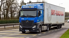 YJ16 LYC (Martin's Online Photography) Tags: mercedes actros mp4 truck wagon lorry vehicle freight haulage commercial transport a580 leigh lancashire nikon nikond7200