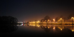 24.03 (Kosmi88) Tags: nikon d60 spring polska poland głowno lustro odbicie woda jezioro lake fog mgła walk plant landscepe las wiosna pomost brige