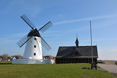 LYTHAM MILL (Andy bradders) Tags: lythammill blackpool coast mill windmill wind sails cap mock tearooms cafe 1951 1919 1989 1921 restored restore grade2 grade2listedbuilding building johntclifton public burntout westcoast seaside seafront mexico lifeboat southport 9121886 mexicodisaster ribble riverribble estuary river germany barque lancashire fylde fyldeboroughcouncil lythamlifeboat 4sails sandbanks lythamstannes england uk fire highwinds gales bluesky springmorning redrose andybradders andybradshaw andrewbradshaw windmillwednesday