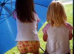 umbrella girls (cfdtfep) Tags: girls child children lady girl blond young umbrella share rain blue white pink