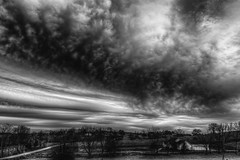 Strong Storms moving thru Kentucky (Klaus Ficker --Landscape and Nature Photographer--) Tags: storm clouds thunderstorm rain bw blackandwhite wind weather weatherinkentucky kentuckyphotography klausficker canon eos5dmarkii