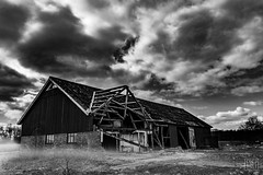 Abandoned Barn (Niki Bitsch Børstrøm Hansen) Tags: abandoned barn sky clouds sweden old monochrome black white