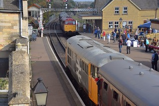 East Lancs visitor 31466 enters Wansford Station, as 31108 waits departure to Peterboroug (NVR). . Nene Valley Railway Class 31 Diesel Gala 15 10 2017