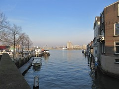 Leuvehaven and Oude Maas, morning, Dordrecht, Netherlands (Paul McClure DC) Tags: dordrecht dordt netherlands feb2018 southholland nederland thenetherlands architecture historic river scenery