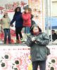 Масленица (abolox) Tags: спб санктпетербург россия russia saintpetersburg петроградскаясторона праздник holiday улица street масленица люди дети чкаловскийпроспект