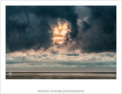 SEASCAPES #2 - DEVIL IN THE SKY (Michael Schaake | Photographer) Tags: nature outdoor exploremore wonderfulplaces travelawesome followmefaraway welivetoexplore lonelyplanet thattravelblog traveltheworld chasinglight justgoshoot toldwithexposure ontheblog beach water sky france lacanau michaelschaake sonyalpha sonyphotogallery rollei himmel landschaft sand wasser