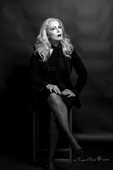 Marlene Dietrich-403-3 (Adriana.Britto) Tags: ensaio retrato portrait foto photo fotografia photography loira blonde blond model mature blackwhite blackandwhite pb pbr pretoebranco people art