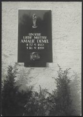 Archiv Hel297 Grabstein Amalie Demel, 1959 (Hans-Michael Tappen) Tags: archivhansmichaeltappen tod friedhof grab grabstein 1959 1950s 1950er