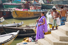 .. Life on Ghats .. Varanasi India (geolis06) Tags: es gange ganga ghat inde2017 olympus hindu hindou mother child motherchild mère maman mèreenfant enfant portrait banaras