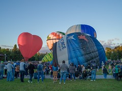 Canberra Balloon Spectacular 2018 - 3 - Parkes - ACT - Australia - 20180310 @ 07:06 (MomentsForZen) Tags: red heart airforce sky dawn baskets oldparliamenthouse people balloonfestival balloonspectacular balloons color x1d hasselblad mfz momentsforzen parkes australiancapitalterritory australia au