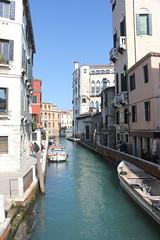 Rio San Trovaso (magro_kr) Tags: wenecja venice venezia włochy wlochy italy italia wenecjaeuganejska veneto rzeka kanał kanal woda river canal water