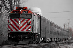 Westbound Metra (dscharen) Tags: trains metra bartlett illinois selectivecolor selectivecoloring red emd electromotive f40 f40ph milwaukeeroad milw sooline dakotaminnesotaeastern dme iowachicagoeastern ice canadianpacific cp chicagosub