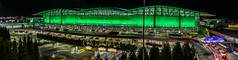 st. patrick's day international terminal (pbo31) Tags: bayarea california nikon d810 color black night dark march 2018 boury pbo31 lightstream motion traffic roadway panoramic large stitched panorama over sanfranciscointernational terminal airport aviation travel millbrae sanmateocounty flight plane sfo tram stpatricksday holiday green motionblur