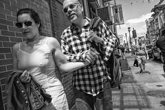 10th Street near Arch Street, 2017 (Alan Barr) Tags: philadelphia 2017 archstreet 10thstreet street sp streetphotography streetphoto blackandwhite bw blackwhite mono monochrome candid city people pair fujifilm fuji x70