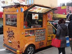 201803124 New York City Queens (taigatrommelchen) Tags: 20180311 usa ny newyork newyorkcity nyc queens urban city foodcart street