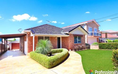 8 Albion St, Roselands NSW 2196