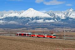 ZSSK 425.962 + 420.959 ● Sv 1.nsl. 8112 ● Poprad ● 24.03.2018 (Michal350) Tags: emu 89 trojca baronka 425962 tatry high tatras tram railway 420959