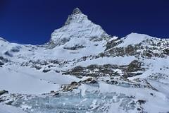 Cervin 4478 mètres (bulbocode909) Tags: valais suisse zermatt cervin montagnes nature neige glace roche 4000
