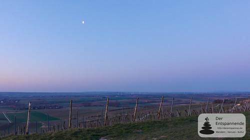 Mond über dem Selztal bei Hahnheim