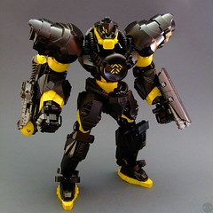 Megaton Slizer: Blaster (Djokson) Tags: slizer throwbot blaster mecha mech robot nuclear atomic megaton disk disc buff black yellow soldier warrior djokson lego moc model toy glorytozeon