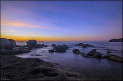Amanecer en las rocas. (antoniocamero21) Tags: amanecer mar cielo rocas agua color foto sony playa calella girona catalunya