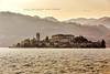 Isola San Giulio, Lago d'Orta (Obliot) Tags: 2018 orta lagodorta colline tramonto campanile piemonte isola nord montagna sangiulio onde ortasangiulio agosto obliot italia it