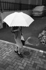 (gaijin_punch) Tags: kodaktrix400 trix 800 ilfotecddx streetphotography monochrome japan zeissikonzm zeiss biogon 3528 kyoto
