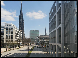 Hamburger Beton • Willy-Brandt-Straße