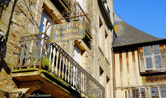 DINAN (claude 22) Tags: bretagne france breizh brittany city medieval architecture maisons anciennes old houses