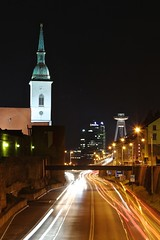 Bratislava (Brian Aslak) Tags: bratislava pressburg pozony slovensko slovakia szlovákia europe city urban night noche öö traffictrails church