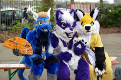 SAM_8626.jpg (Silverflame Pictures) Tags: hondachtigen vos draak costumeplay fukumi cosplay 2018 furry april canine dragon fox furrie costume grouppicture