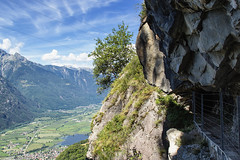 In alto sulla valle (cesco.pb) Tags: valchiavenna valtellina lombardia lombardy alps alpi italia italy tracciolino canon canoneos60d tamronsp1750mmf28xrdiiivcld montagna mountains