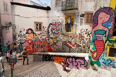 Street Art et Graffiti...Lisbonne..Portugal (geolis06) Tags: geolis06 europe europa portugal lisbonne lisbon lisboa streetart artderue painting peinture graffiti olympusm918mmf4056 olympusem5