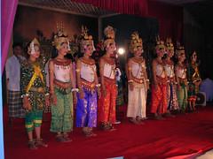 Apsara Dancing (Oleg Nomad) Tags: камбоджа сиемрип ангкор храм байон кхмерский руины cambodia siemreap angkor bayon temple ruins asia travel