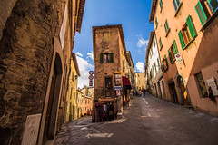 The streets of Montepulciano (jonykadi) Tags: montepulciano street color tuscany toscana italy fork wide