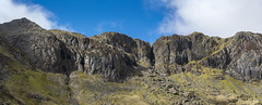 The Devil's Kitchen, Cwm Idwal (Keartona) Tags: cwmidwal devilskitchen cliff landscape panoramic panorama stitchedimage rocky rocks dramatic scenery april snowdonia wales northwales