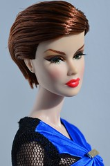 Veronique New Look (Dolldiva67) Tags: veroniqueperrin veroniqueperrinfullspectrum fashionroyalty integritytoys energeticpresence fashiondolls blue shorthaireddolls