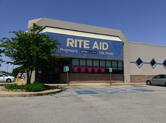 Rite Aid (Horn Lake, MS - 4 1/2+ years later) (l_dawg2000) Tags: 2013 closed desotocounty drugstore gnc goodmanrd greetingcards healthbeauty hornlake labelscar mississippi ms outofbusiness pharmacy retail riteaid unitedstates usa
