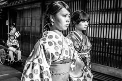 Higashi Chaya (Scott F Thompson) Tags: higashichaya kimono kanazawa japan streetphotography traditional blackandwhiite geisha teahouse