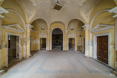Ingresso della cappella (www.lekorbo.be) Tags: fullframe italia irixlens korbo lightroom a7 abandoned alone alpha beautiful beautyindecay commlite creepy crown darkplaces decay deserted dust dxo efnex european exploration factory find forbidden forgotten heavy house lieux light lostplaces manualfocus manuellens memories oldcar optic passion photolab12 pornplaces religious retro roadtrip ruins sonyalpha strange theater urban oubliés manicomio