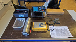 At school today. Learning Ultrasonic testing techniques. The equipment is ancient by todays standards, but this is our first experience of ultrasonic testing, so really basic stuff.