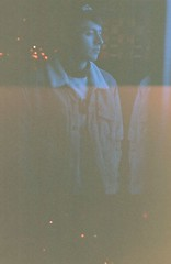 (nicolassacuna) Tags: bro bogotá colombia city portrait analog film grain retro vintage 90s night lighleak cold